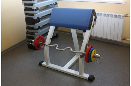 тренажерное оборудование для спортзала